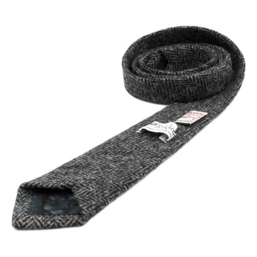 HARRIS TWEED TIE BLACK GREY HERRINGBONE BACK_clipped_rev_1.jpg
